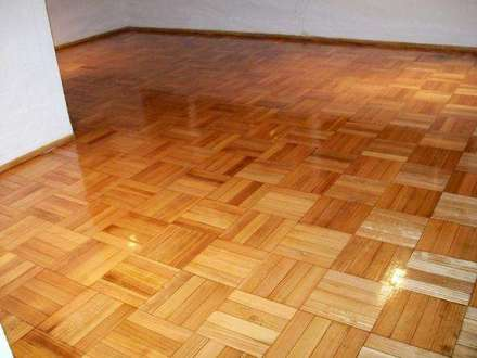 Piso vinilico en baldosas autoadhesivas casa belforte for Baldosas para pisos interiores